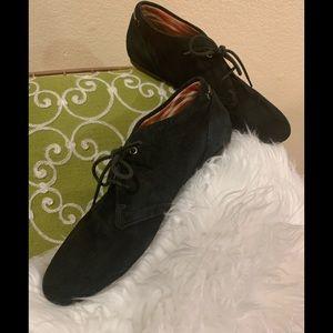 Clark's Artisan suede lace up shoes sz 9